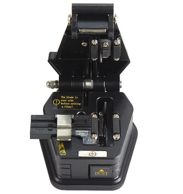 Скалыватель оптического волокна SKL-6C